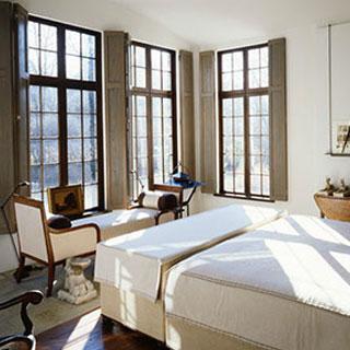 bedroom casement windows high ceilings