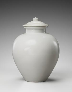 croes-white-jar (1)