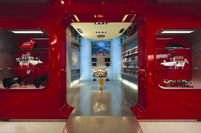 Ferrari store auto motifs classic red, metals shiny
